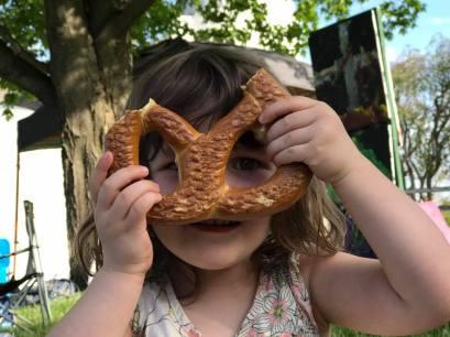 peekaboo pretzel Matty Carl 2017